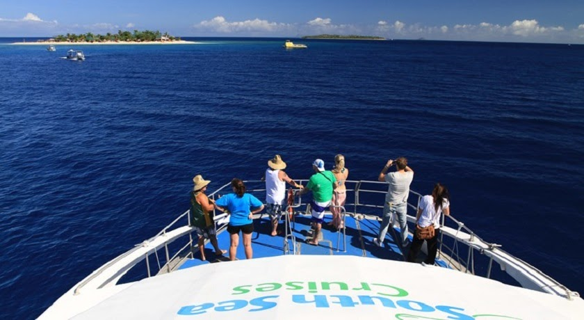 Mamanuca Islands Sightseeing Cruises