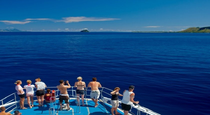 7 Day / 6 Night Bula Combo Pass - Island Hopping + Bed